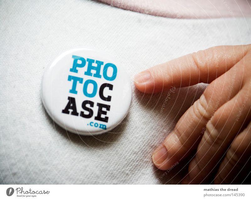 PHOTOCASE.COM Mensch Hand weiß blau Baby hell Fotografie Haut klein Schilder & Markierungen Finger Internet Schriftzeichen weich Buchstaben Schlagwort