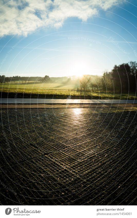 Dezembermorgen Umwelt Natur Landschaft Erde Himmel Wolken Horizont Sonne Sonnenaufgang Sonnenuntergang Wetter Schönes Wetter Beton blau braun mehrfarbig gelb
