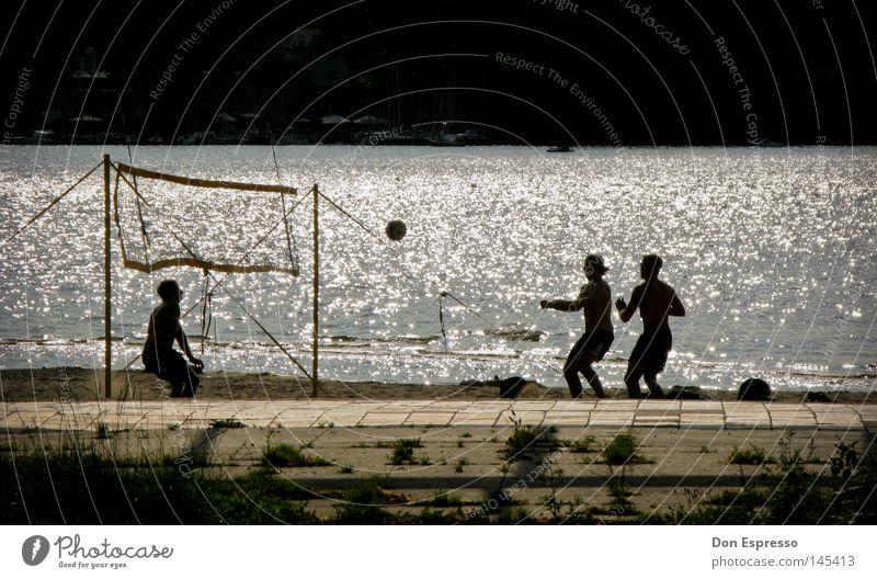Summer Games Volleyball Ball Netz Strand Sand Meer See Wasser Wellen Sommer Ferien & Urlaub & Reisen Schwimmbad Freibad sportlich Sport Freude Gegenlicht