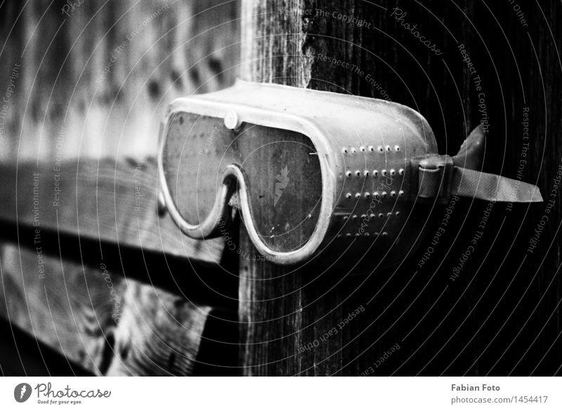 Schutzbrille schwarz Arbeit & Erwerbstätigkeit dreckig Technik & Technologie gefährlich Industrie Brille Baustelle Pause Beruf Fabrik Wissenschaften