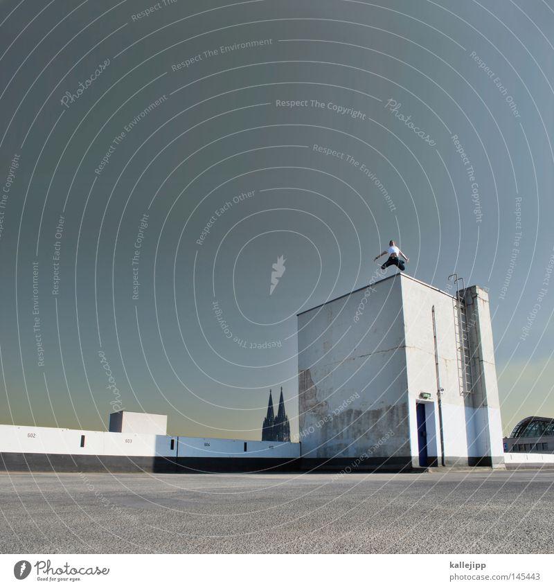 kirchentag in 4711 Mensch Mann Stadt alt weiß Architektur Lifestyle Kunst fliegen Deutschland springen Kirche Spitze Beton einzigartig Dach