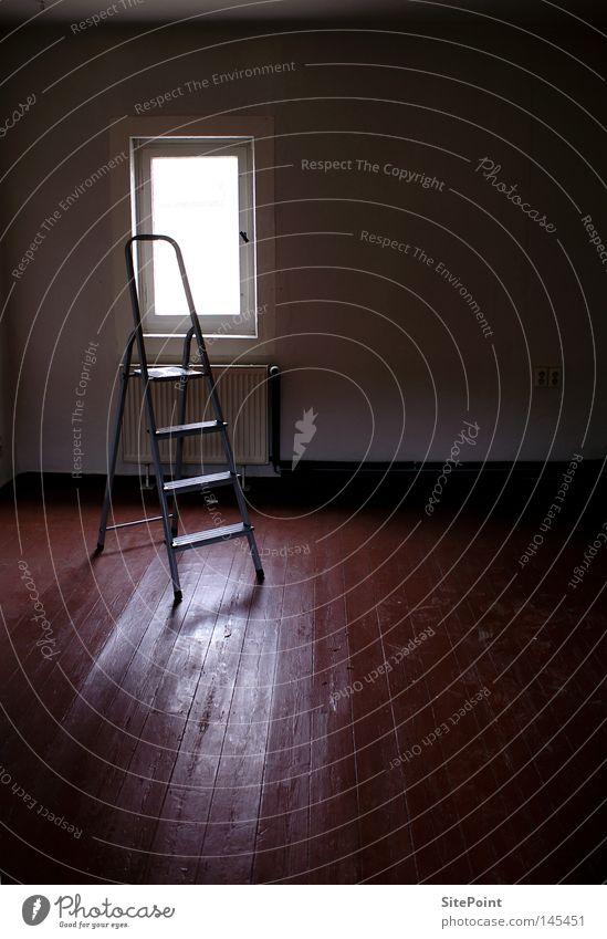 Einsam Einsamkeit dunkel Fenster Raum Häusliches Leben Vergänglichkeit Leiter