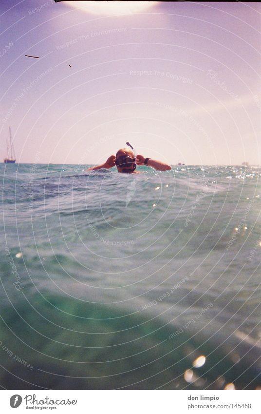 im freibad Mensch Himmel Wasser Meer Horizont Wasserfahrzeug Wellen Schwimmen & Baden nass tauchen analog Wassersport Atlantik Taucher Sportler Tauchgerät