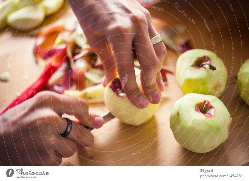 Äpfel schneiden Lebensmittel Frucht Apfel Dessert Süßwaren Ernährung Kaffeetrinken Picknick Bioprodukte Vegetarische Ernährung Fingerfood Messer kochen & garen