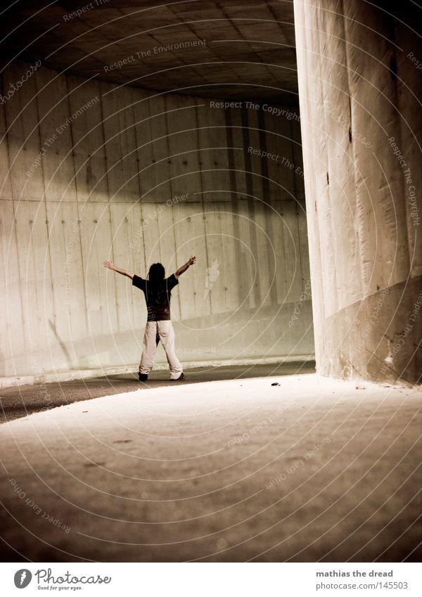 X-MEN Mann dunkel Straße Wand Wege & Pfade Religion & Glaube Stein Lampe hell Linie Beleuchtung Angst Arme dreckig warten hoch