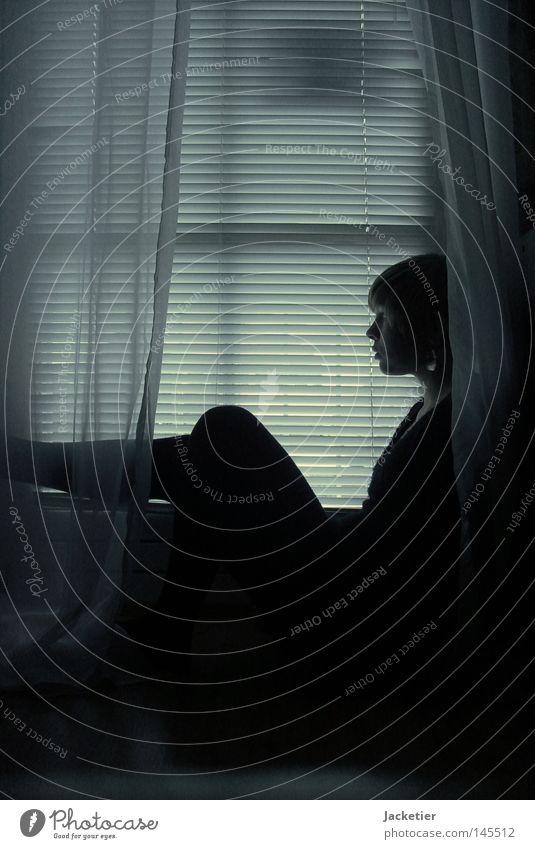 The dark side of Life Frau dunkel Fenster Beine hell Wissenschaften Gardine Jalousie