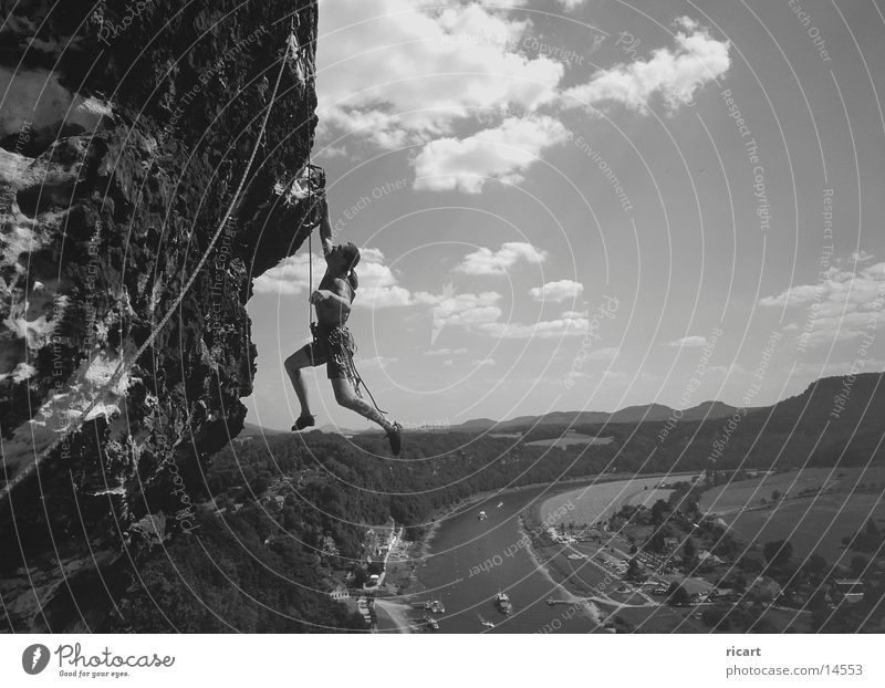 cliffhanger Felsen Klettern Bergsteigen Freeclimbing Extremsport Elbsandstein
