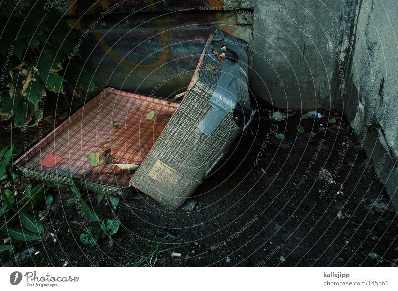 kristallnacht Ferien & Urlaub & Reisen historisch verfallen Ende gruselig Koffer Flucht Zerstörung Tourist anonym fremd Besitz Diebstahl Gepäck Judentum Terror