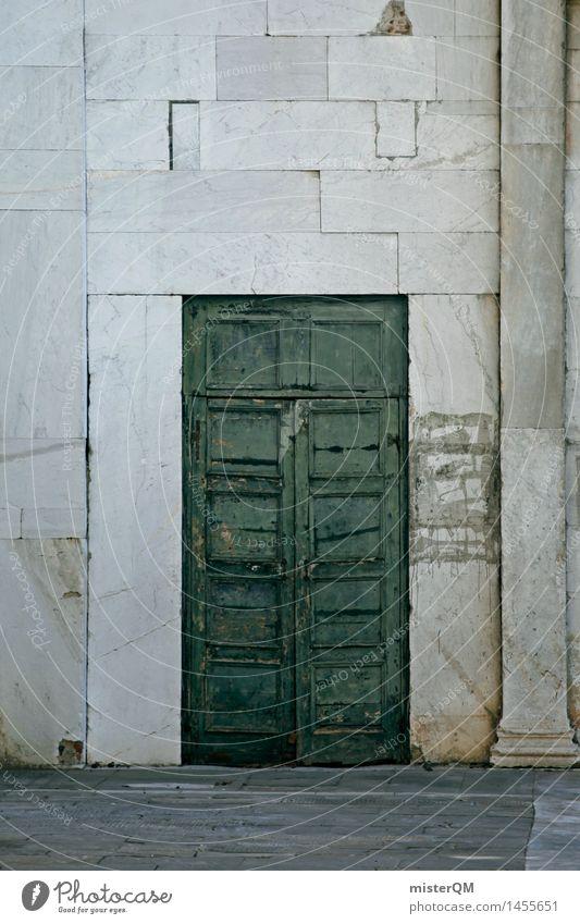 Grüne Tür. Dorf Fischerdorf Kleinstadt Menschenleer Haus Einfamilienhaus Traumhaus Hütte Kirche Tor Bauwerk Gebäude Architektur Mauer Wand Fassade ästhetisch