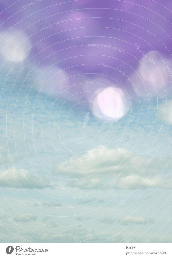 DIE SCHÖNSTEN PAUSEN SIND LILA Himmel blau weiß violett glänzend Licht Fleck Punkt Dadaismus Lichtpunkt Wolken Pause Horizont Dach Beleuchtung Hintergrundbild