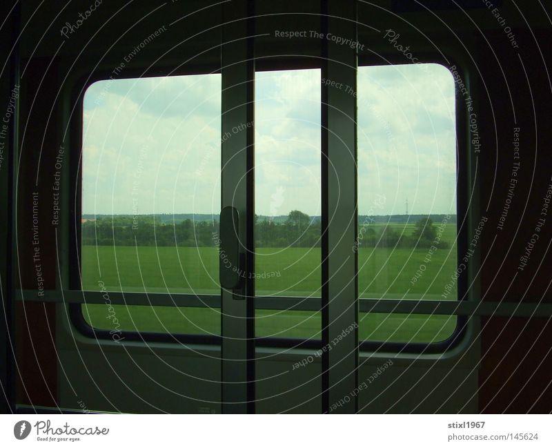eisenbahn Eisenbahn Fenster Schiebetür Autotür Blick Landschaftsformen Rasen Wiese Baum Sträucher grün Ferien & Urlaub & Reisen Reisefotografie Himmel Wolken