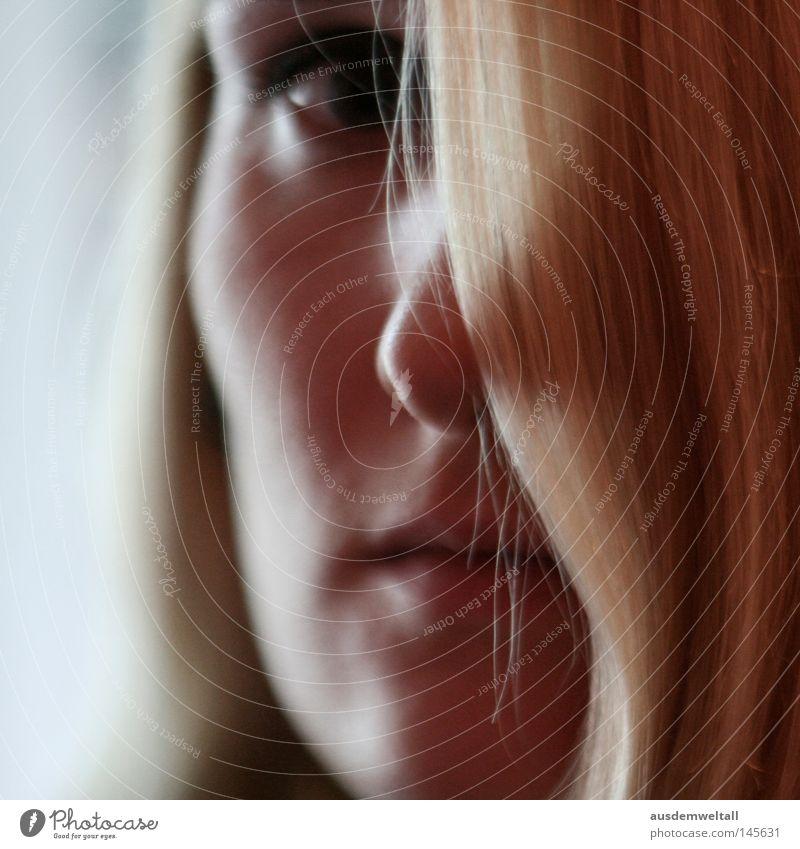 Hidden Frau Auge Farbe feminin Haare & Frisuren Mund blond Nase verstecken