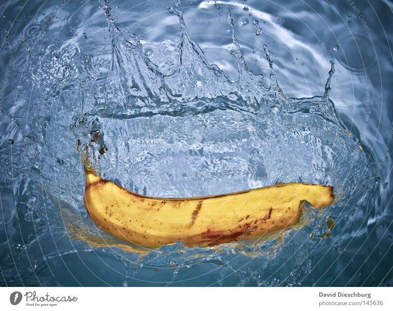 Fresh Banana Wassertropfen Klarheit Flüssigkeit Momentaufnahme Banane Objektfotografie Wasserspritzer Foodfotografie