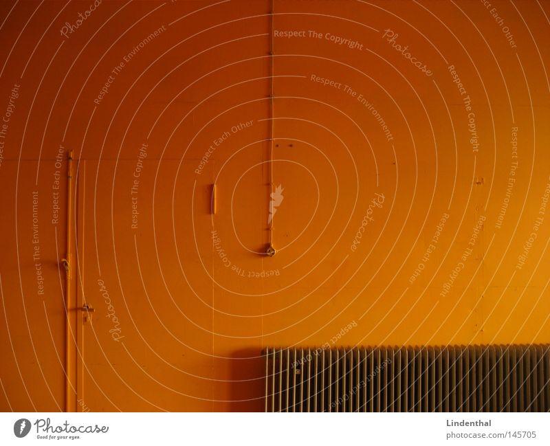 Orange Wall Wand heizen Heizkörper Schalter mehrfarbig grell obskur Linie orange Röhren