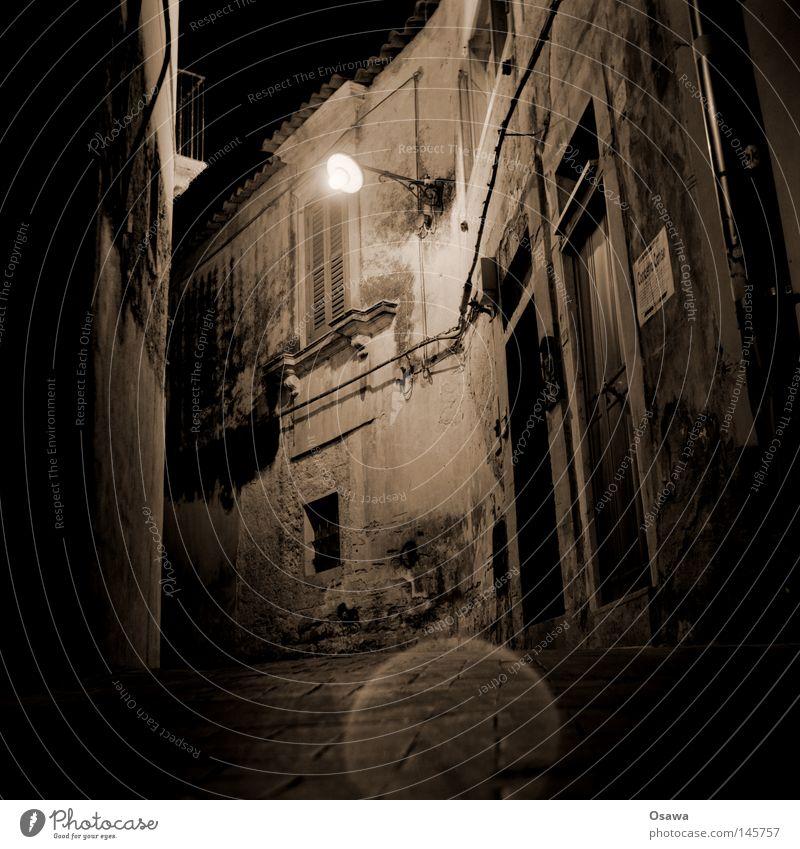 Ragusa 01 Dubrovnik Sizilien Italien Stadt Barock antik Nacht Nachtaufnahme Straße Wege & Pfade Laterne Straßenbeleuchtung Fassade alt verfallen Wahrzeichen