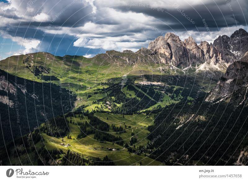 auf der anderen Seite Himmel Natur Ferien & Urlaub & Reisen grün Sommer Erholung Landschaft Wolken Ferne Berge u. Gebirge Felsen Tourismus wandern Ausflug Klima
