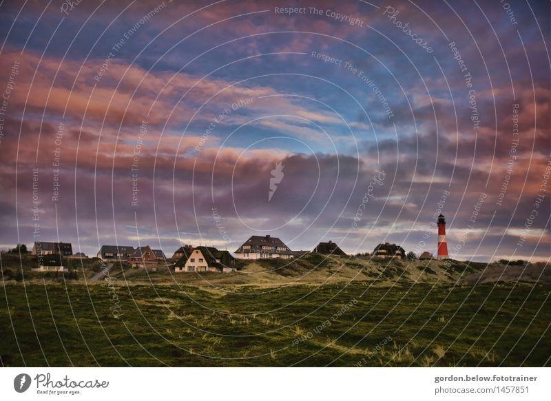 Inselträume Tourismus Ausflug Ferne Freiheit Sommerurlaub Traumhaus Landschaft Himmel Wolken Schönes Wetter Gras Hügel Nordsee Fischerdorf Menschenleer Haus