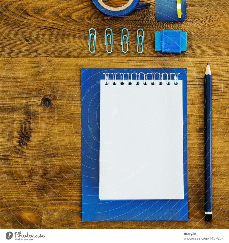Schreibtisch - Blau II blau braun Business Arbeit & Erwerbstätigkeit Büro Ordnung lernen schreiben Beruf Geldinstitut Quadrat Schreibstift Arbeitsplatz
