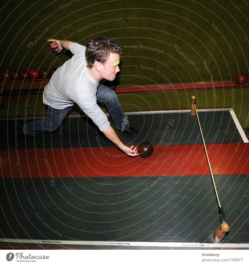 strike mike Kegel Kegeln kegelförmig Kugellauf Sport Freizeit & Hobby Sportveranstaltung Spielen Freude Schwung Ballsport Bowling Konkurrenz Rolle Bowlingbahn
