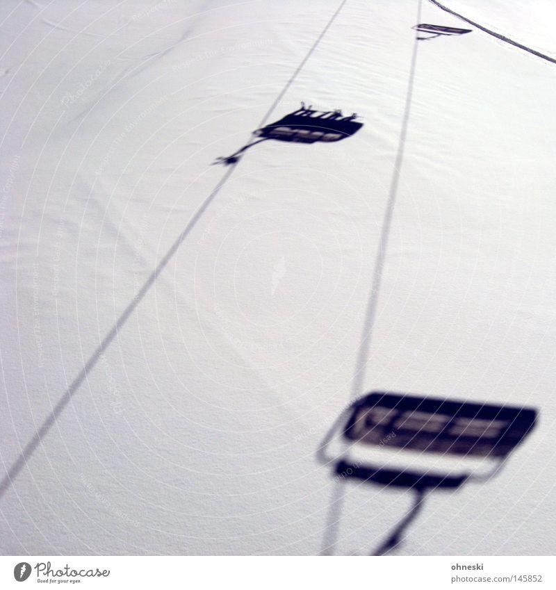 Winterspaß Schnee Schatten Sesselbahn Skifahren weiß St. Jakob Defereggental Seilbahn Pulver Ferien & Urlaub & Reisen Freude Alpen Osttirol Bergsteigen