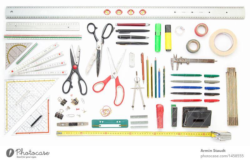 Formalistisches Büro-Still-Leben Design Schule Designer Arbeitsplatz Business Ordnung Werkzeug Sammlung Stillleben messen planen nützlich viele Lineal Klebeband