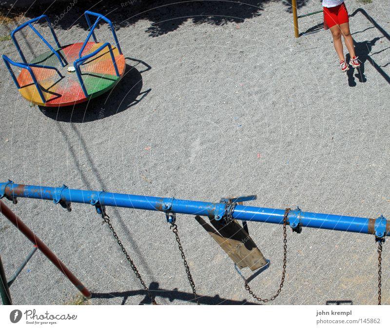 come and play with us, danny Farbe Spielen grau Kindheit kaputt Vergänglichkeit Klettern verfallen Spielzeug schäbig drehen Kies Schaukel Gleichgewicht Spielplatz Griechenland