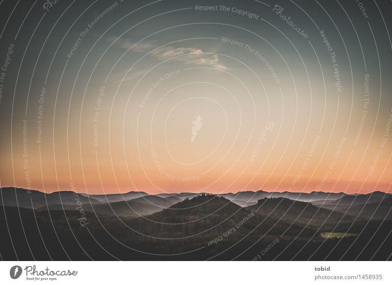 Abenddämmerung Natur Landschaft Pflanze Himmel Wolken Horizont Sommer Herbst Schönes Wetter Nebel Wald Hügel Unendlichkeit Idylle Ferne Tal Gipfel Farbfoto