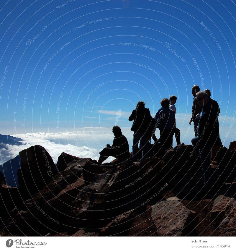 Gipfelstürmer Mensch Himmel Wolken Ferne oben Berge u. Gebirge Stein Menschengruppe Klettern Freizeit & Hobby Felsen wandern hoch Ausflug Aussicht