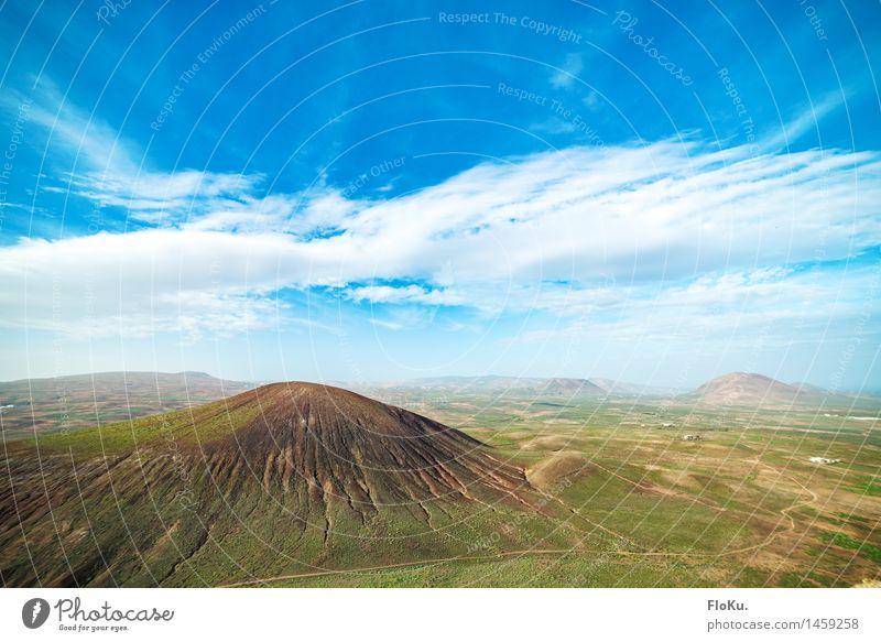 Lanzarote im Winter Ferien & Urlaub & Reisen Ausflug Abenteuer Ferne Umwelt Natur Landschaft Urelemente Erde Himmel Wolken Horizont Schönes Wetter Hügel