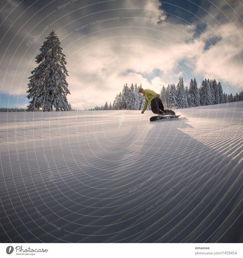 Black Forest Wintersports Mensch Ferien & Urlaub & Reisen Mann Baum Wolken Freude Winter Berge u. Gebirge Erwachsene Schnee Stil Lifestyle Freiheit Linie Tourismus Freizeit & Hobby