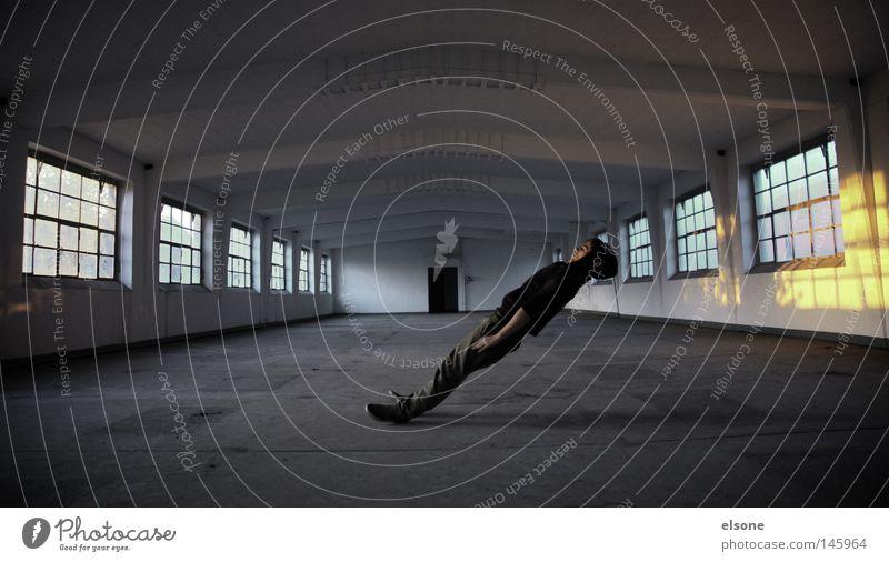 ::SCHRÄGLAGE.. Pause Erholung ruhig leer Holz Ruine Schrott Romantik Mann ausschalten Recycling atmen gammeln Industrie verfallen gediegen liegen Einsamkeit