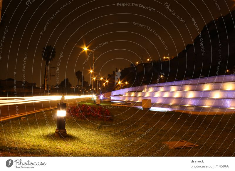 Brunnen Chorrillos Springbrunnen Weide Garten Straße Nachthimmel Küste Hügel Amerika Südamerikaner Lichterscheinung Peru Lima Langzeitbelichtung Park Drarock