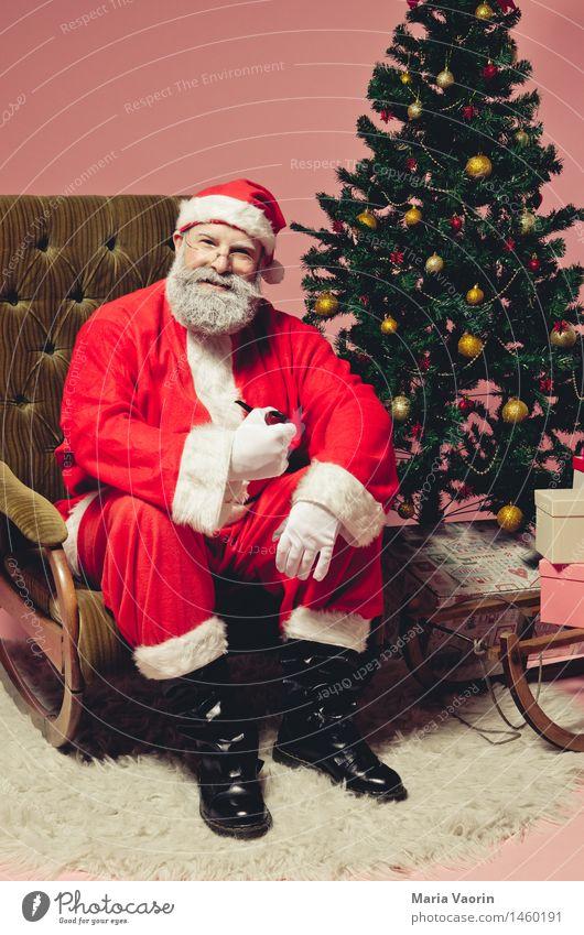 Ruhe vor dem Sturm Mensch Mann Weihnachten & Advent Erwachsene Glück Feste & Feiern maskulin Zufriedenheit Fröhlichkeit 45-60 Jahre Brille Pause Männlicher Senior Mütze Bart Weihnachtsbaum