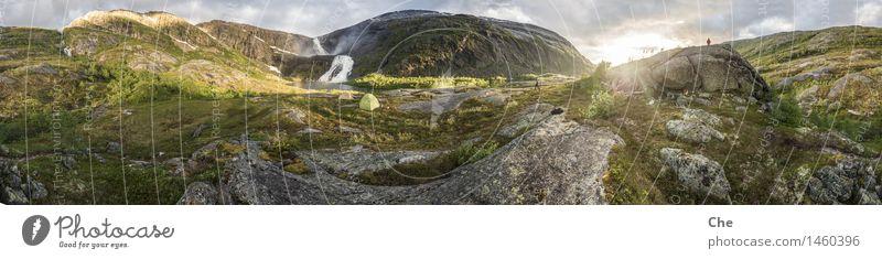 Der schönste Lagerplatz der Welt Landschaft Schönes Wetter ästhetisch Glück Lebensfreude Begeisterung bescheiden Fernweh Respekt wandern Pilgern Zelt Wasserfall