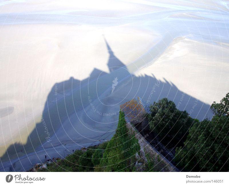 Mt.St-Michel - das Original Schatten Licht Meer Ebbe Kirche Burg oder Schloss Berge u. Gebirge See Fluss Frankreich Bretagne Normandie Küste Kloster