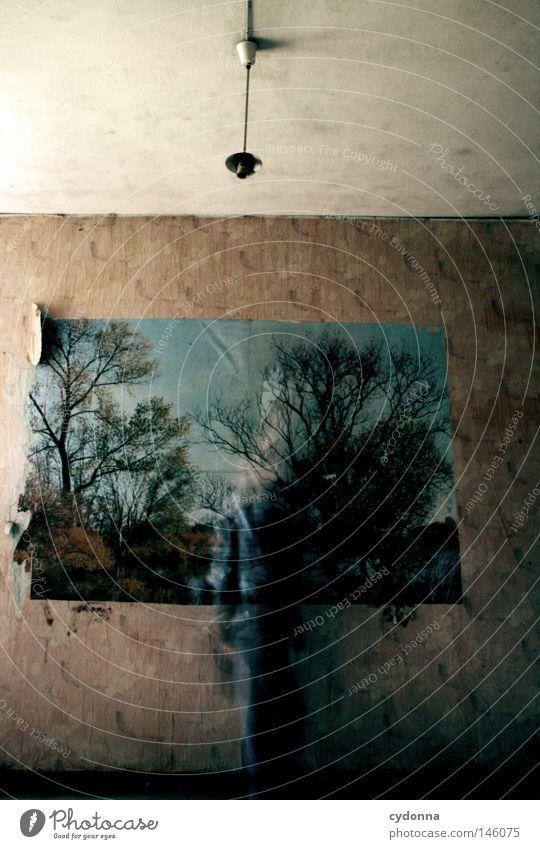 Ghosts I Mensch alt Einsamkeit Haus dunkel Wand Landschaft Bewegung Gebäude Lampe Zeit Angst gefährlich Sicherheit bedrohlich retro