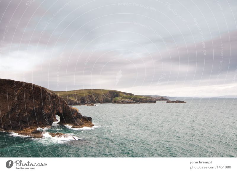 Strathy Point Natur Landschaft Wolken schlechtes Wetter Wellen Küste Bucht Nordsee Meer Klippe Schottland strathy point bedrohlich maritim wild Kraft Mut