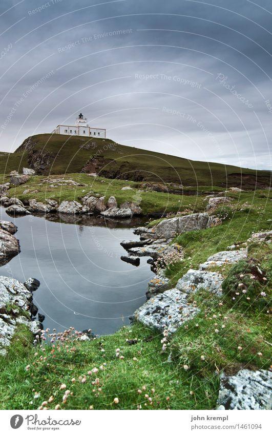 Strathy Point Lighthouse puddle Natur Ferien & Urlaub & Reisen Wasser Meer Einsamkeit Umwelt Küste Gras Felsen groß historisch Schutz Sicherheit Vertrauen Nordsee Leuchtturm