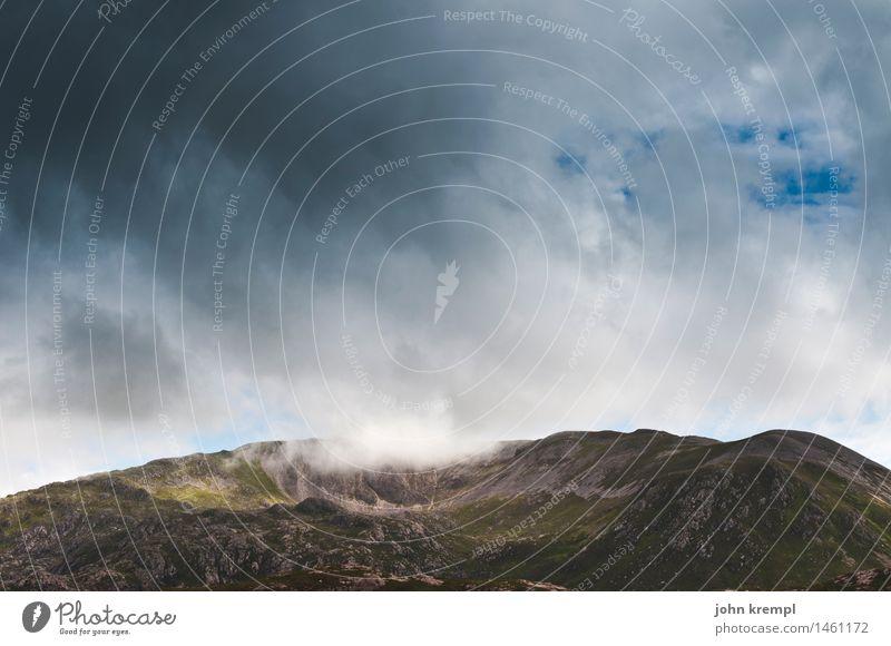Touch the Sky Himmel Ferien & Urlaub & Reisen Wolken dunkel Berge u. Gebirge Umwelt Traurigkeit Freiheit Felsen Abenteuer Lebensfreude bedrohlich Schutz