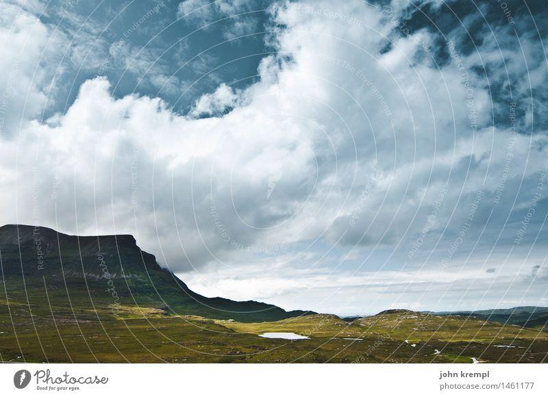 Ruhe vor dem Sturm Himmel Natur Ferien & Urlaub & Reisen Landschaft Einsamkeit Wolken dunkel Berge u. Gebirge Umwelt Gras Freiheit See Felsen Abenteuer Romantik bedrohlich