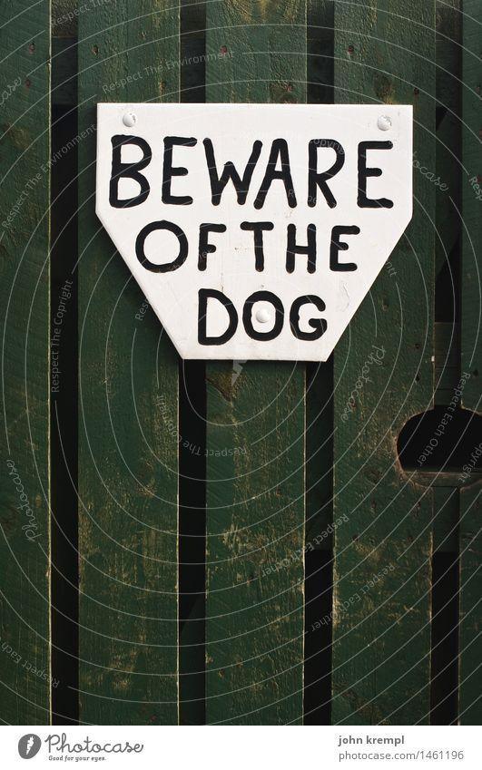 Bewahre den Tag Haus Holz Metall Angst Schriftzeichen Tür Kommunizieren Schilder & Markierungen gefährlich Hinweisschild bedrohlich Neugier Todesangst Mut