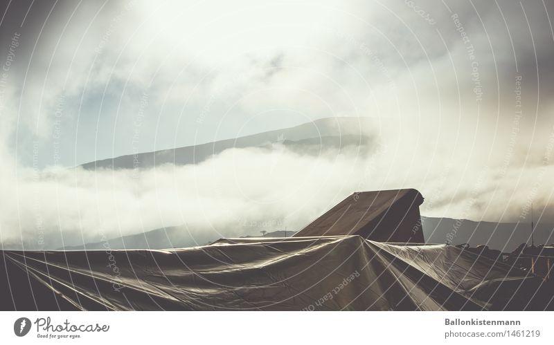 Good Morning. Ferien & Urlaub & Reisen Ausflug Abenteuer Ferne Freiheit Expedition Berge u. Gebirge Landschaft Herbst Nebel PKW fahren Fernweh Natur Tourismus