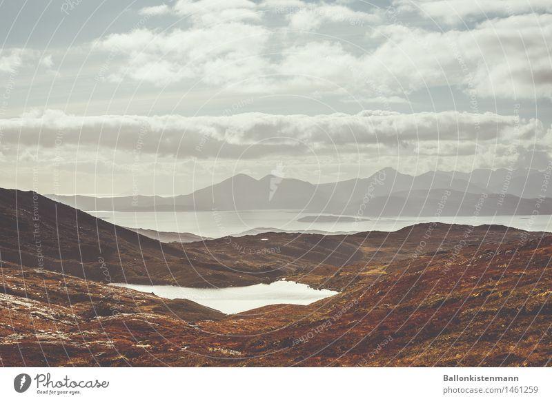 Schottland halt. Himmel Wasser Landschaft Wolken Ferne Berge u. Gebirge Umwelt Herbst Wiese Freiheit See Erde Felsen wandern Idylle einzigartig