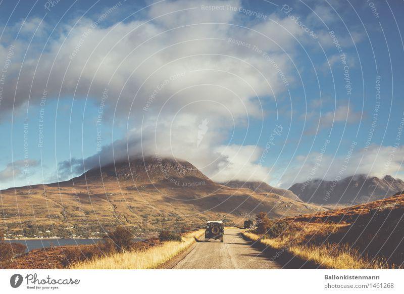 Foggy McArizona. Natur Ferien & Urlaub & Reisen Landschaft Ferne Berge u. Gebirge Umwelt Straße Herbst Wege & Pfade Freiheit Felsen Tourismus Nebel PKW Ausflug