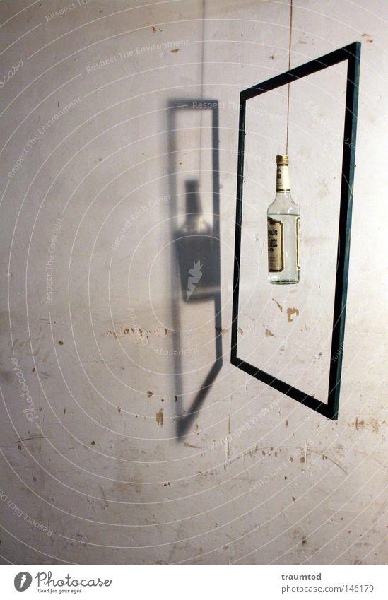 Let's get it on... weiß dunkel Wand Mauer Glas verrückt leer Idee Seil planen Schnur Neigung Trauer verfallen durchsichtig