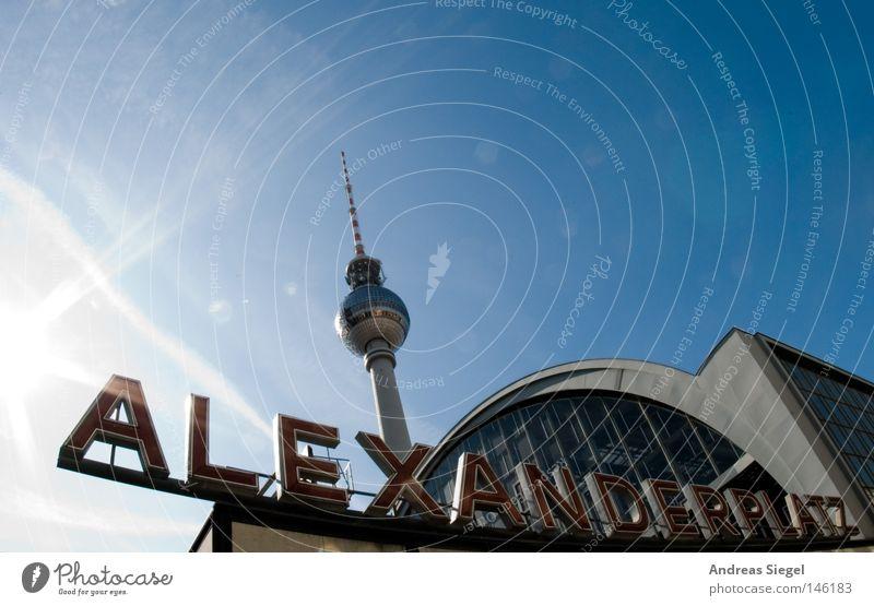 Alexanderplatz Himmel blau Berlin Schriftzeichen Denkmal Bahnhof DDR Wahrzeichen Berliner Fernsehturm