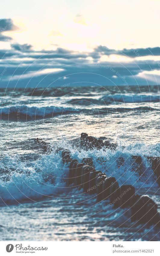 Durch die Buhne Himmel Natur Ferien & Urlaub & Reisen blau Wasser Meer Landschaft Wolken Strand Umwelt natürlich Küste wild Wellen Wind bedrohlich