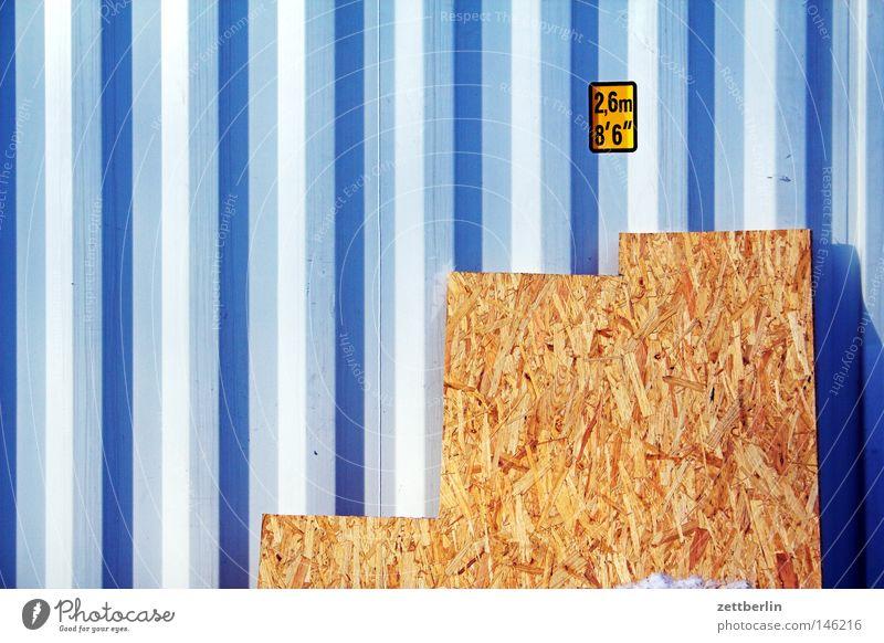 Container Arbeit & Erwerbstätigkeit Holz Metall Schilder & Markierungen Ordnung Güterverkehr & Logistik Boden Bodenbelag Baustelle Metallwaren Häusliches Leben