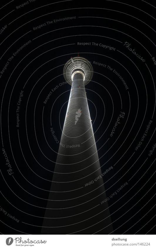 Turm der Türme™ Himmel schwarz dunkel kalt Berlin Beleuchtung klein Wind Beton Finger Macht Fernsehen Unendlichkeit Kugel Weltall