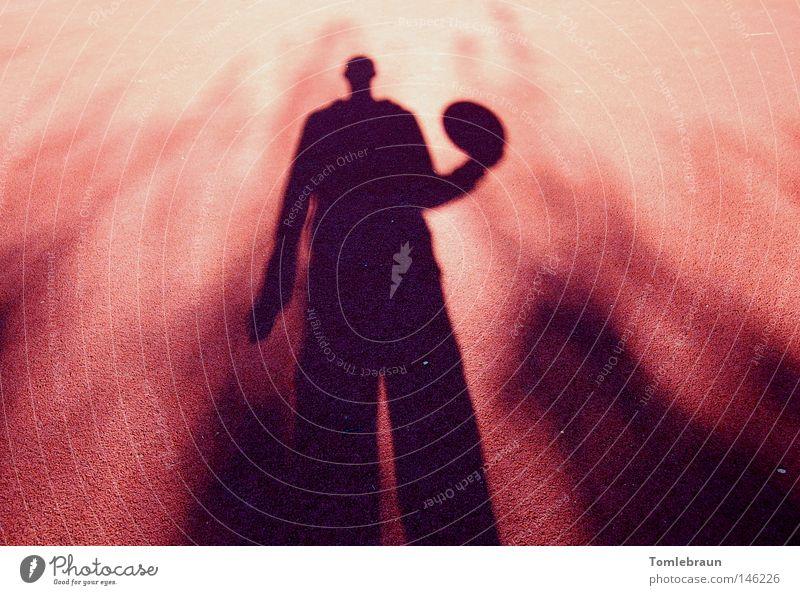 Schatten Mensch rot schwarz Ball Boden Freizeit & Hobby Basketball Ballsport